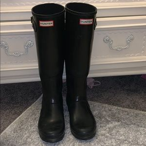 Authentic black glossy Hunter rainboots